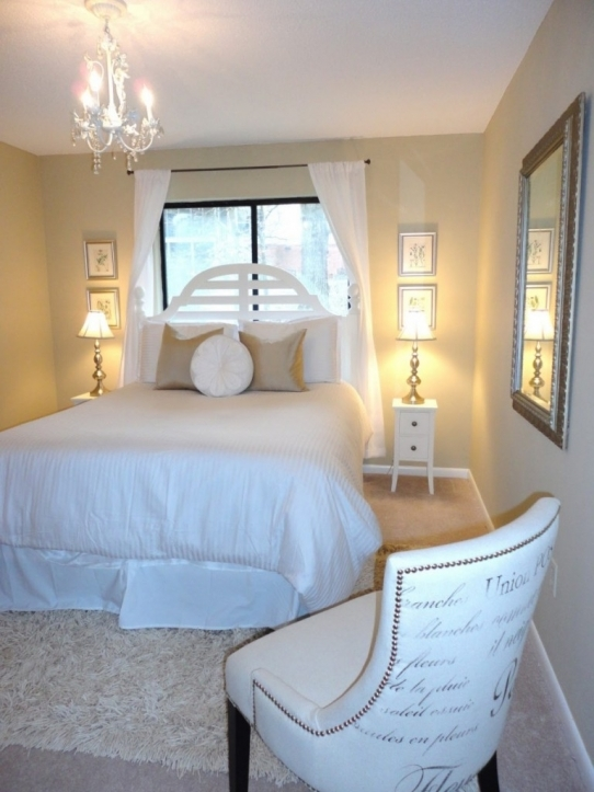Small guest room decorating ideas make a guest feel at Guest bedroom decorating tips