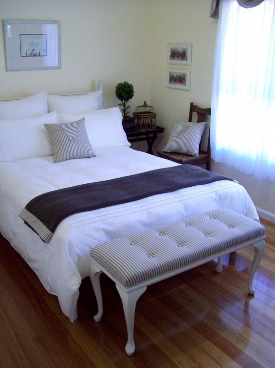 Small Guest Room Ideas With Delightful Bedroom Ideas In Classic Style 2624
