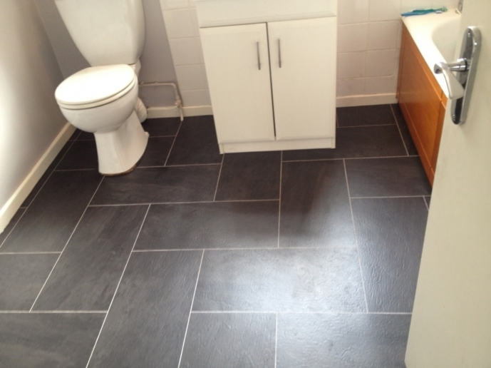 Small Bathroom Floor Plans With Dark Tile 50