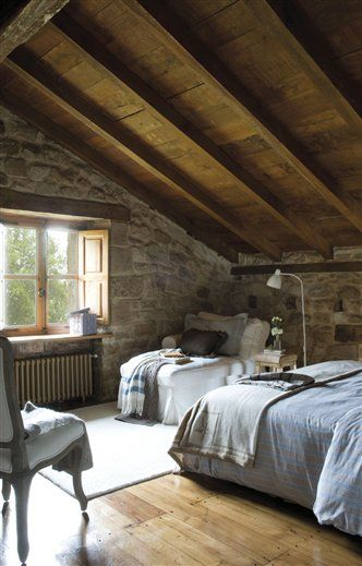 Good Design A Small Attic Bedroom With Wall Decorating Ideas
