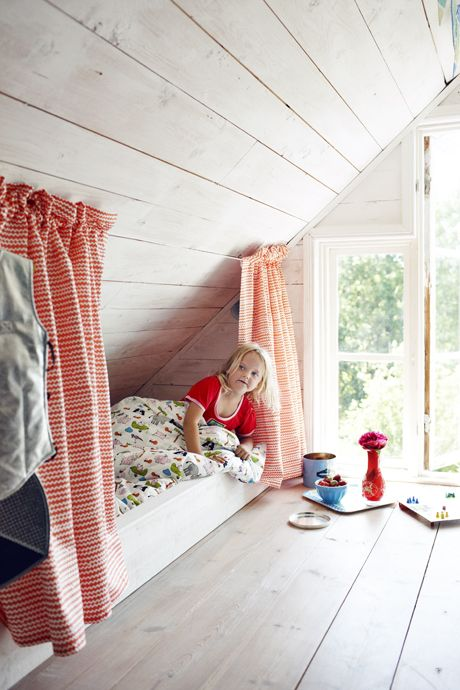 Very Small Attic Bedroom Perfect For Children Room Photos