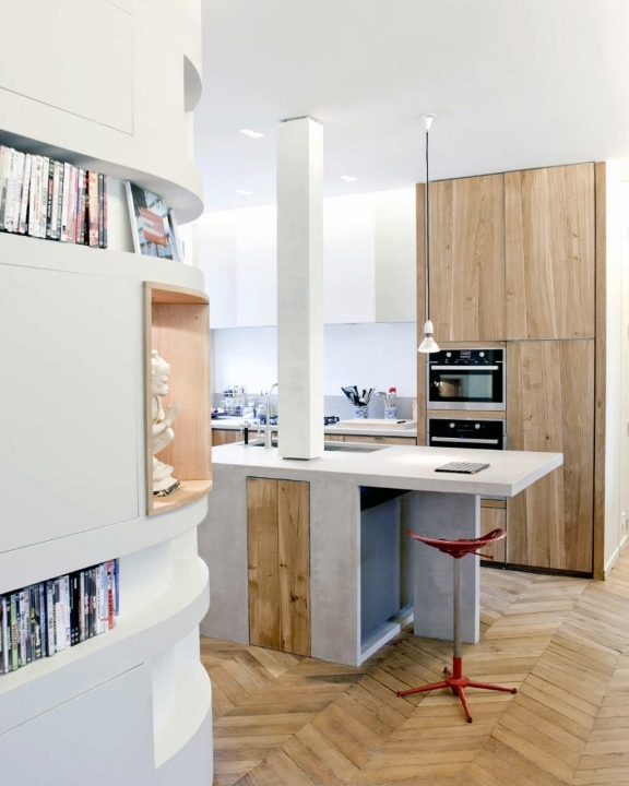 Interior Design In Small Kitchen With Oak Square Table Wood