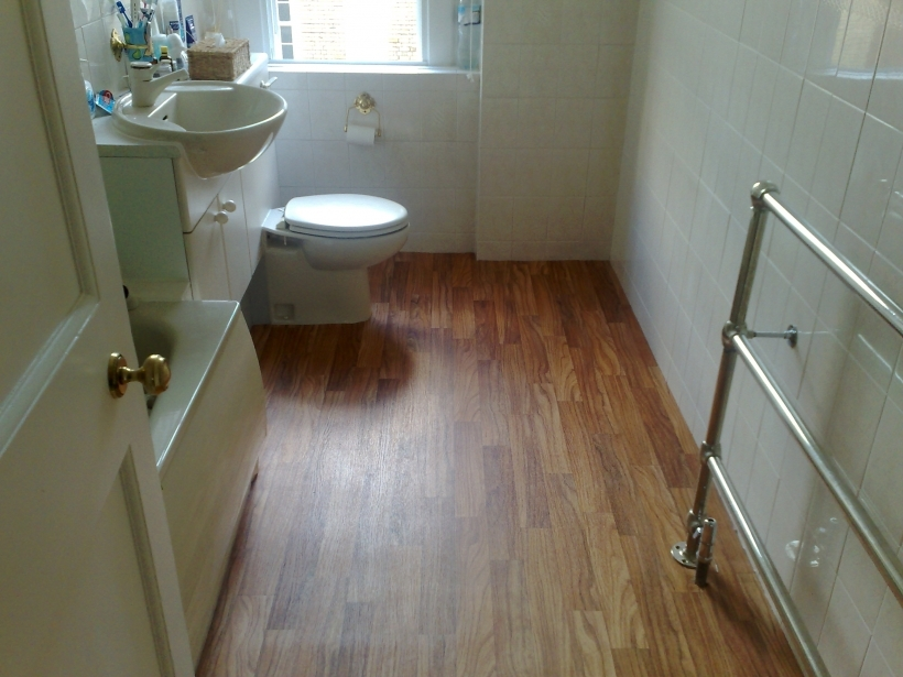 Bathroom Flooring Ideas For Small Bathrooms With Classy Wood Grain Tile Ideas Design