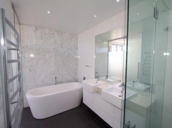 Freestanding Bathtubs Small Spaces Awesome Preferential Freestanding Bath Ideas With White Granite Walls 5465