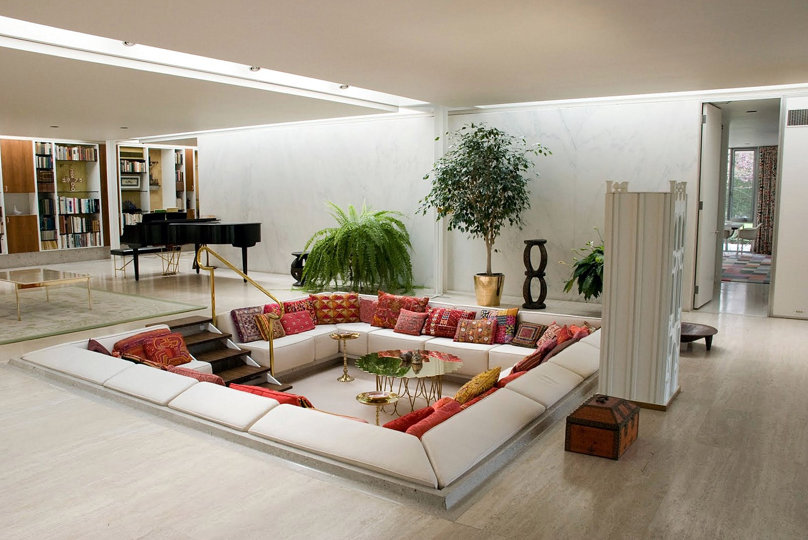 Small Living Rooms Call For More Creativity