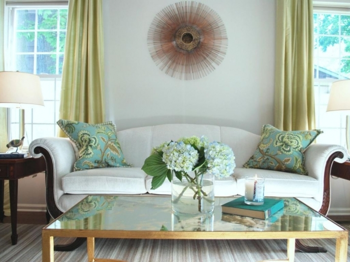 Small Family Room Decorating Ideas With Beautiful Color Schemes 40